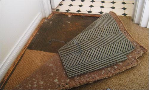 Wet carpet restoration warragul for Bathroom flooded wet carpet